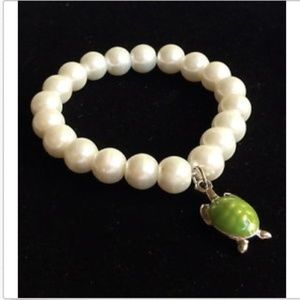 Jewelry - Silver White Pearl Sea Life Turtle Bracelet Green